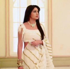 Ishqbaaz Anika Outfit Fashion Trends to Follow, Anika in Sarees, Ishqbaaz outfits, fashion from Surbhi Chandna, Anika outfits