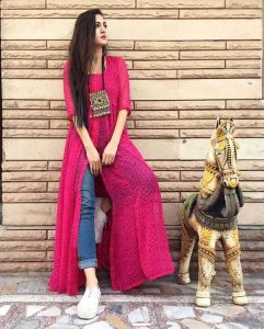 Styles of Kurtis for Navratri, navratri kurtis, kurtis for navratri, kurti designs for navratri, tunics for navratri, navratri outfit ideas